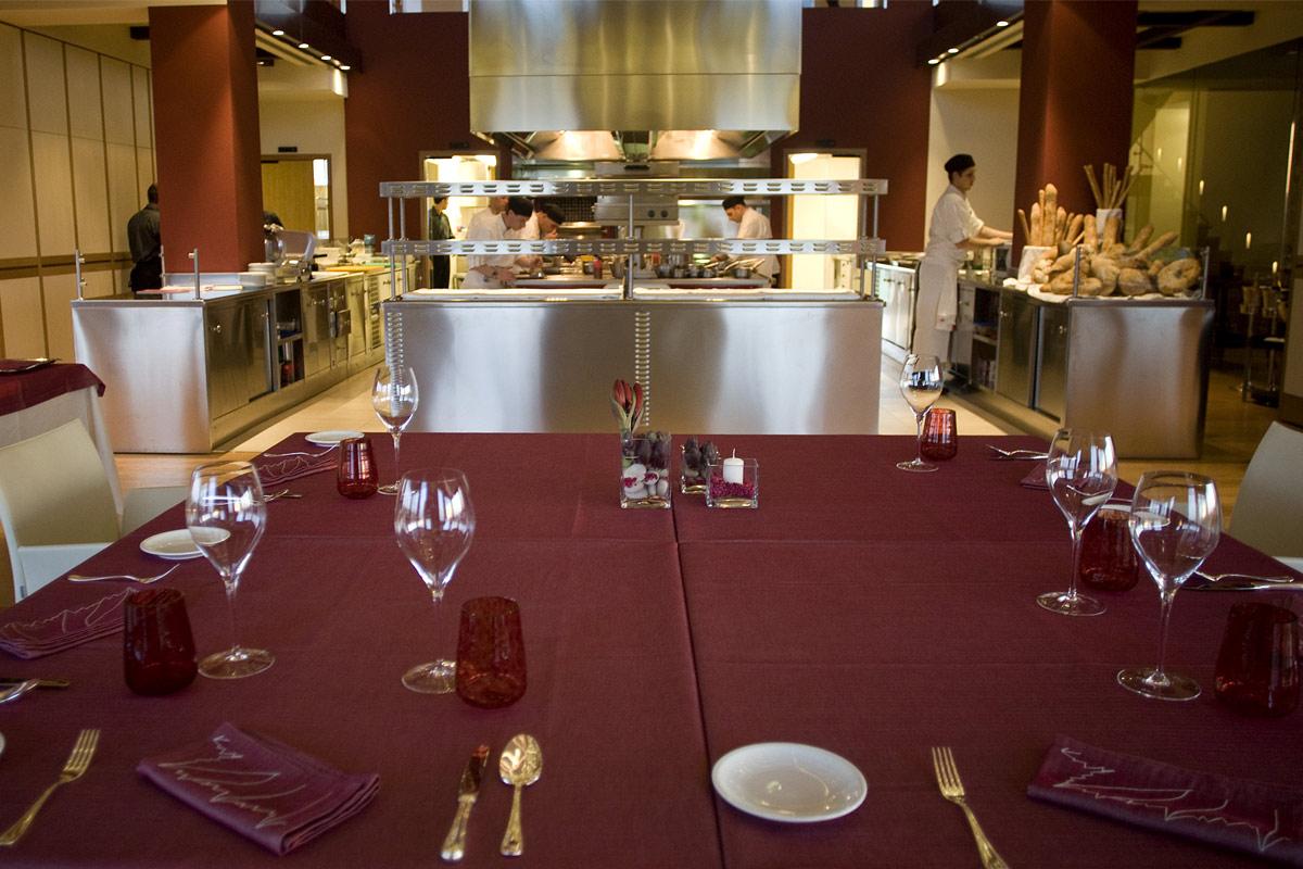 vite-dinner-table